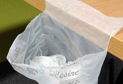 【キャンドゥ】どこでもペタッとゴミ袋